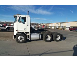 International 9670 Cabover Daycab