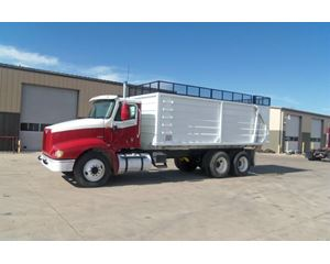 International 9100 Farm / Grain Truck