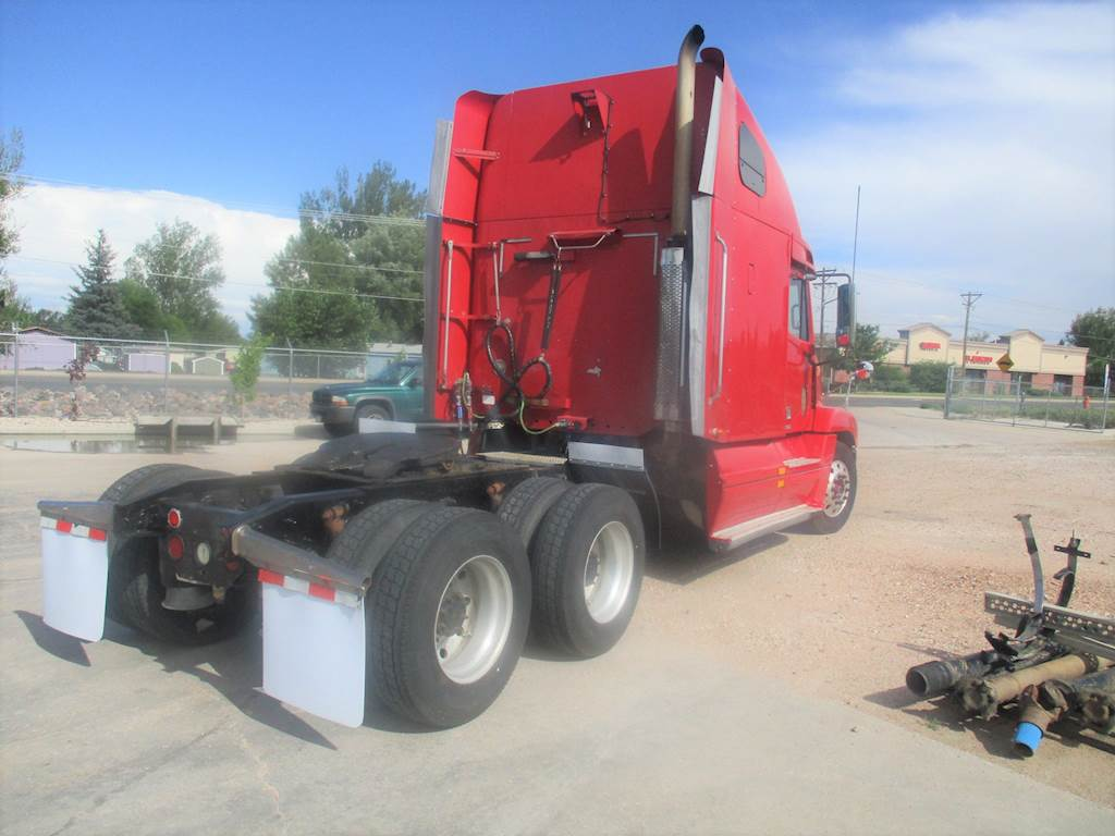 2001 Freightliner FLD120 Sleeper Semi Truck