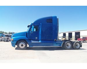 Freightliner COLUMBIA 112 Sleeper Truck