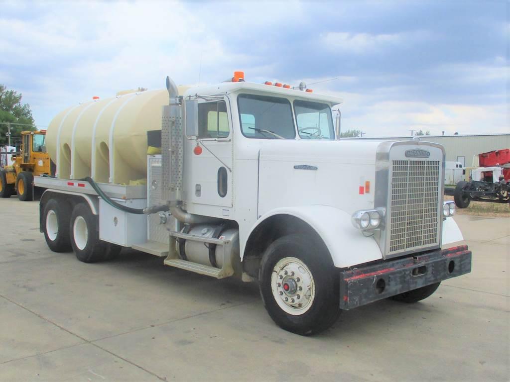 1979 Freightliner FLC1264 Water Truck