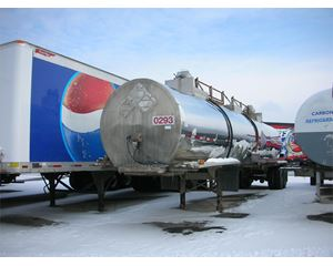 Brenner 1985 BRENNER, 3 COMPARTMENT STAINLESS, INSULATED Chemical / Acid Tank Trailer