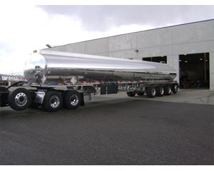 Heil 11,500 gallon quad axle, 53