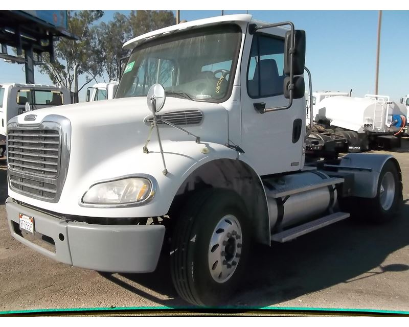 2008 freightliner business class m2 112 day cab truck for sale fresno ca. Black Bedroom Furniture Sets. Home Design Ideas