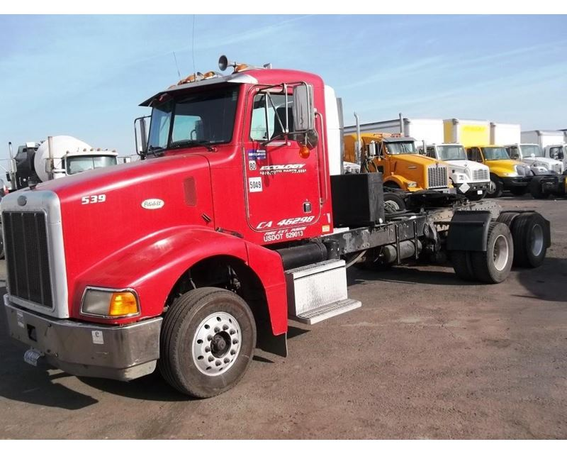 1998 Peterbilt 385 Day Cab Truck For Sale