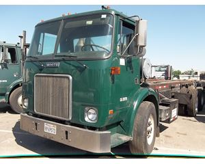 Autocar WX64 Roll-Off Truck