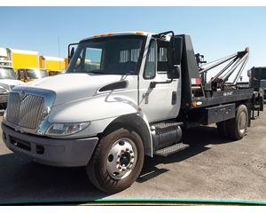 International 4200 Winch Truck