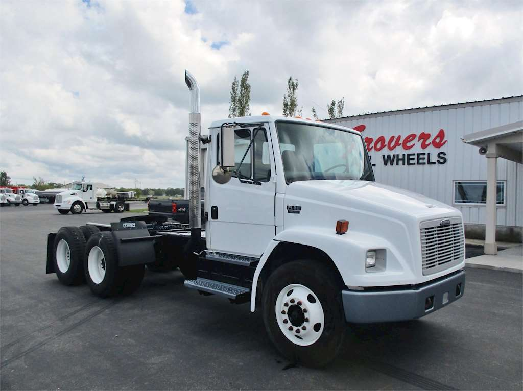 2004 freightliner fl80 heavy duty cab chassis truck for sale 39 000 miles rigby id. Black Bedroom Furniture Sets. Home Design Ideas