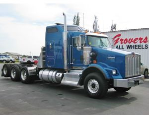 Kenworth T800W Conventional Sleeper