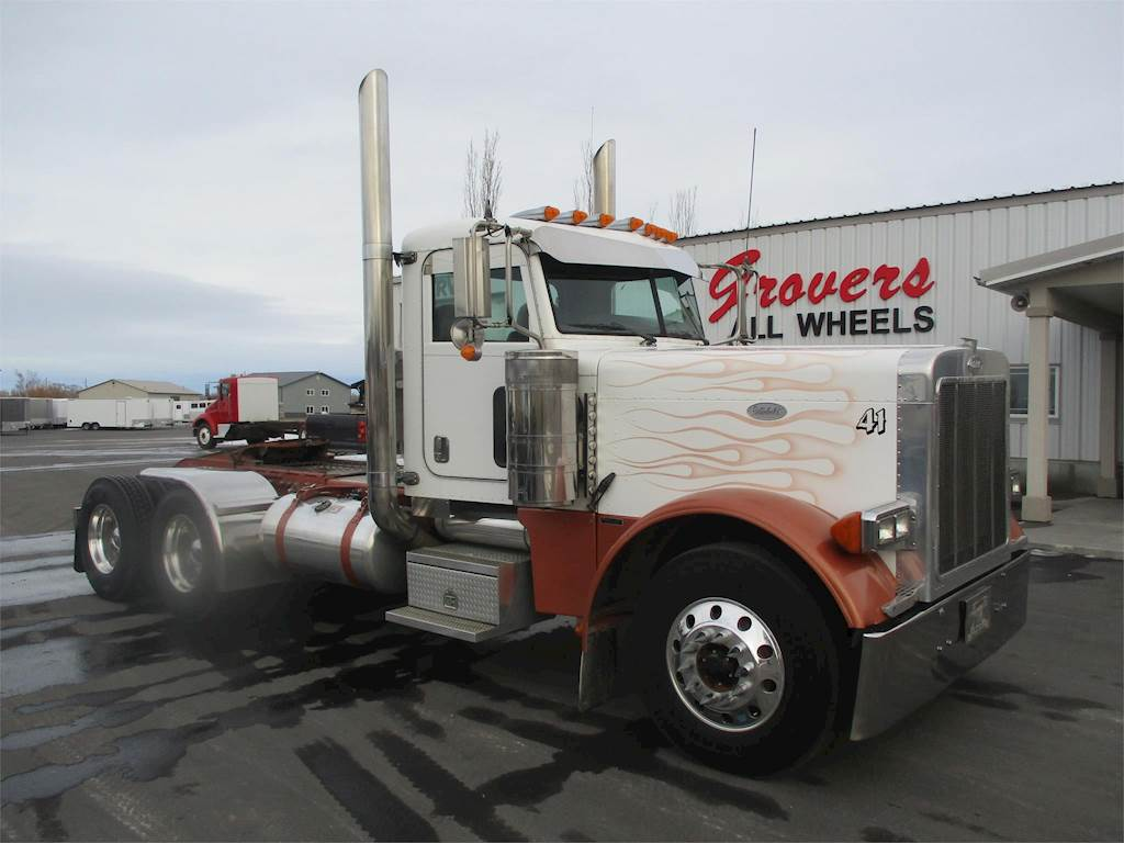 2007 Peterbilt 379 Day Cab Truck