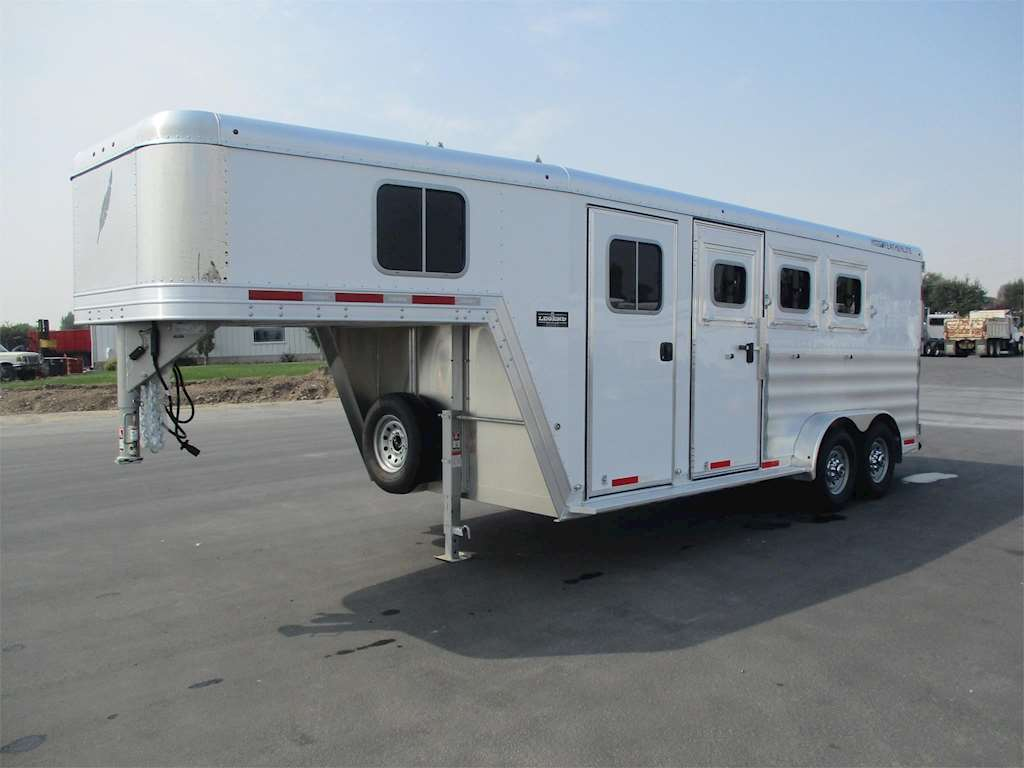 2017 Featherlite Horse Trailer For Sale Rigby Id