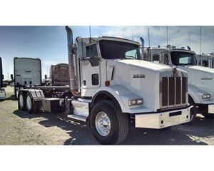 Kenworth T800 Roll-Off Truck