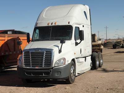2013 Freightliner Cascadia 125 Cab & Chassis Truck