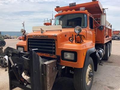 1998 Mack Dump Truck