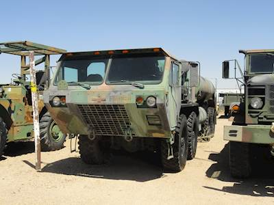 1995 Oshkosh M978 Fuel & Lube Truck