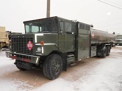 1990 Oshkosh R11 Gasoline / Fuel Truck - Cummins, Automatic