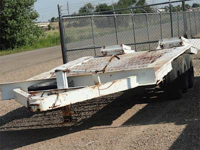 1979 Equipment trailer, 3 axle with ramps