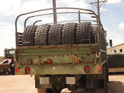395-85 R 20 Tire