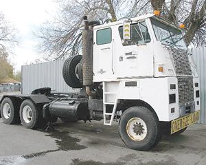 Oshkosh K2358 Cabover Sleeper