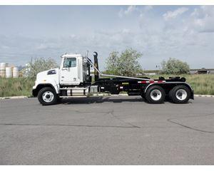 Western Star 4700SF Hooklift Truck