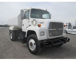 ford l8000 2 000 gallon trucks for sale. Black Bedroom Furniture Sets. Home Design Ideas