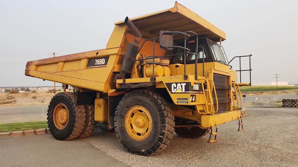 Off-Highway-Trucks-Caterpillar-769D-12326863.jpg