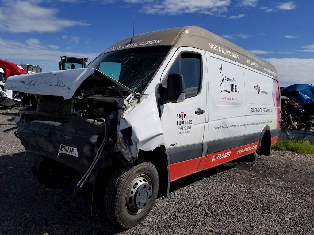 Mercedes-Benz Rear Axle Assembly for a 2007 Freightliner SPRINTER 3500 For  Sale | Ucon, ID | 51818-1 | MyLittleSalesman com