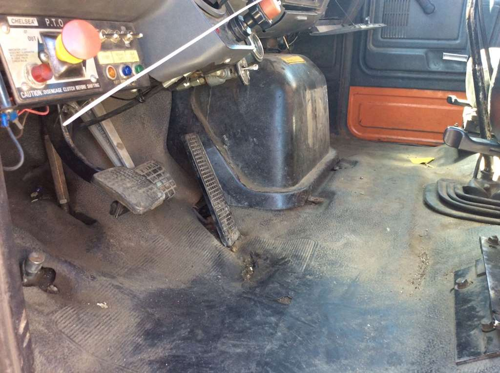 ford f 700 cab assembly for a 1994 ford f700 for sale. Black Bedroom Furniture Sets. Home Design Ideas
