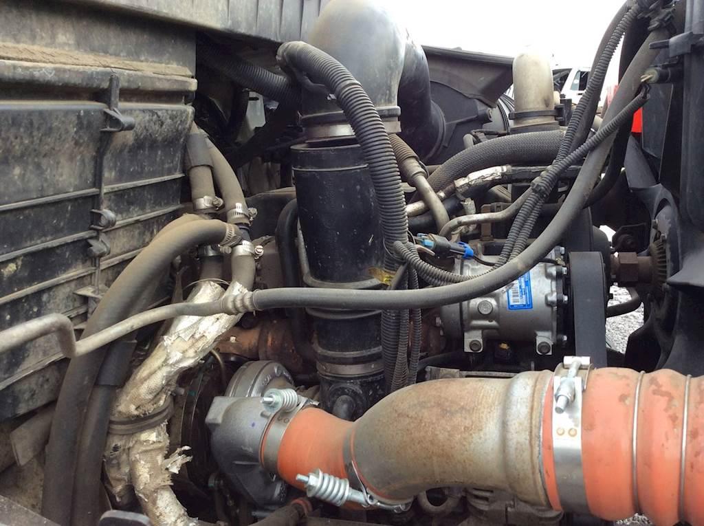 International DT466 Engine for a 2010 International 7400 For Sale
