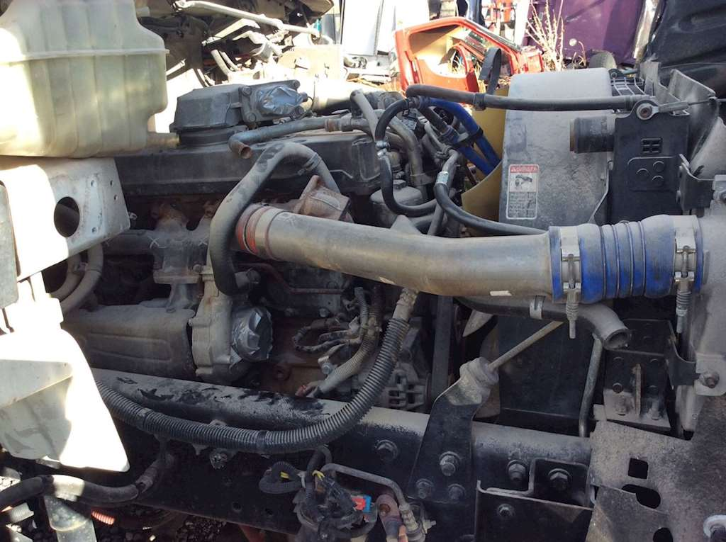 Mercedes benz mbe 900 engine for a 2005 freightliner m2 for Mercedes benz engines