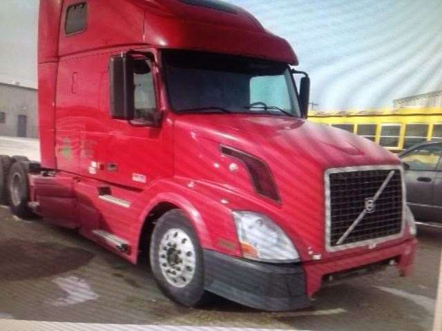 2008 Volvo VNL Hood For Sale