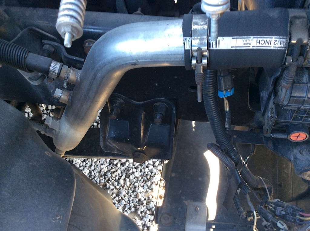 Freightliner century class radiator hose for a