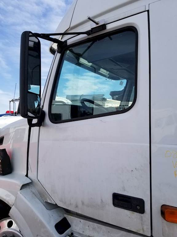 2008 Volvo Vnl Left Side View Mirror For Sale Ucon Id 32718 9 Mylittlesalesman Com