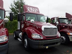 2017 Freightliner Columbia 120 Day Cab Truck, Cummins ISM