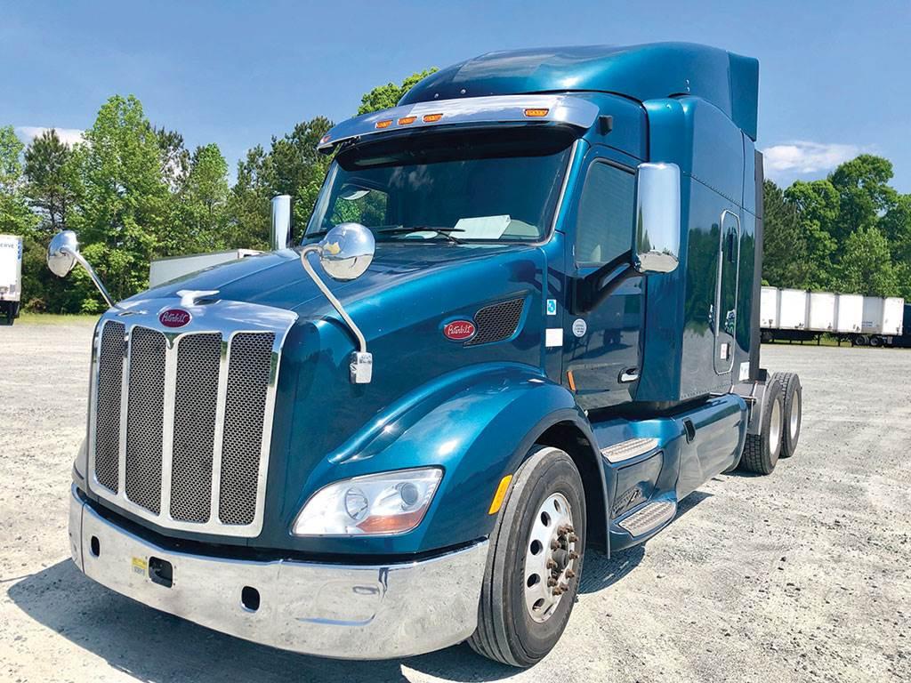 2015 Peterbilt 579 Sleeper Semi Truck - PACCAR MX-13, 455HP
