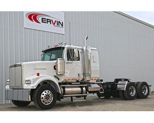 Western Star 4900FA Conventional Sleeper