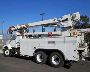 International 2674 Bucket / Boom Truck