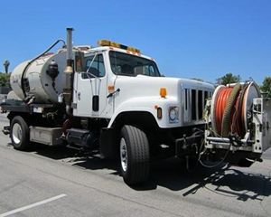 International 4700 Vacuum Tank Truck