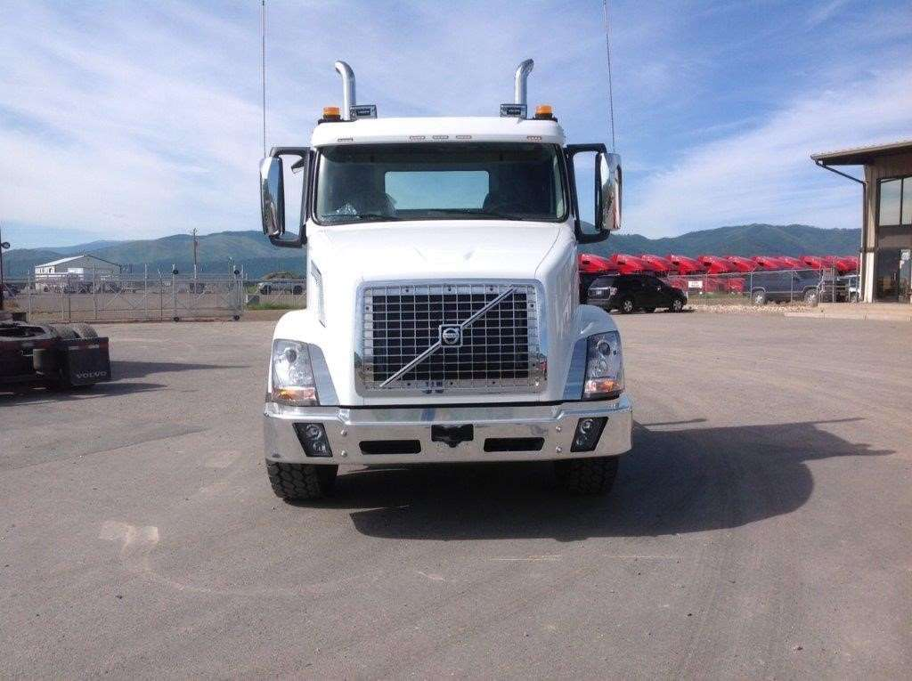 2016 volvo vnx84t300 day cab truck for sale 2 642 miles missoula mt 943635. Black Bedroom Furniture Sets. Home Design Ideas