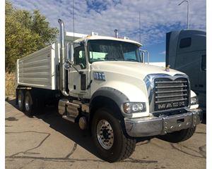 Mack GRANITE GU713 Heavy Duty Dump Truck