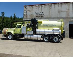 Vactor 2112 Sweeper / Vactor