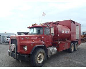 Mack RD688S Fuel / Lube Truck