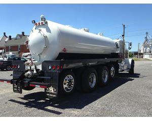 Peterbilt 389 Vacuum Tank Truck