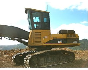 Caterpillar 330DFM Log Loader