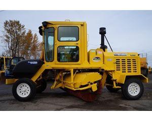 SUPERIOR BROOM DT80J Sweeper / Vactor