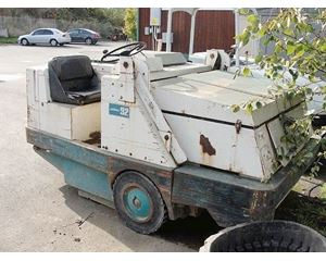 Tennant 92 Sweeper / Vactor