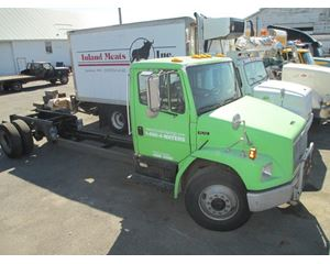 Freightliner FL70 Heavy Duty Cab & Chassis Truck