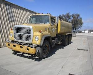Ford LT8000 Water Truck