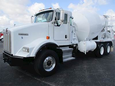 2009 Kenworth T800 Tandem Axle Mixer / Ready Mix / Concrete Truck - Cummins  ISL, 365HP, Manual