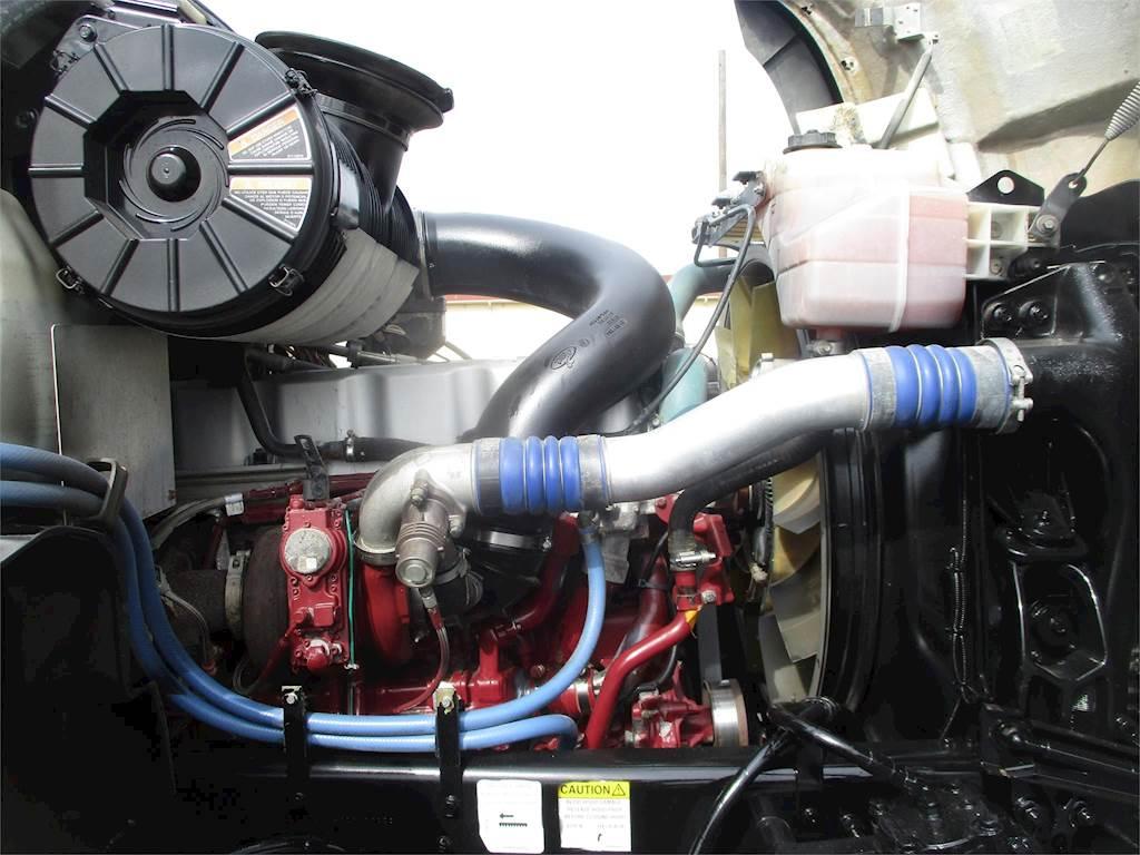 2009 Mack Granite CV713 Tandem Axle Oil Field Truck - MP7, 370HP, Manual